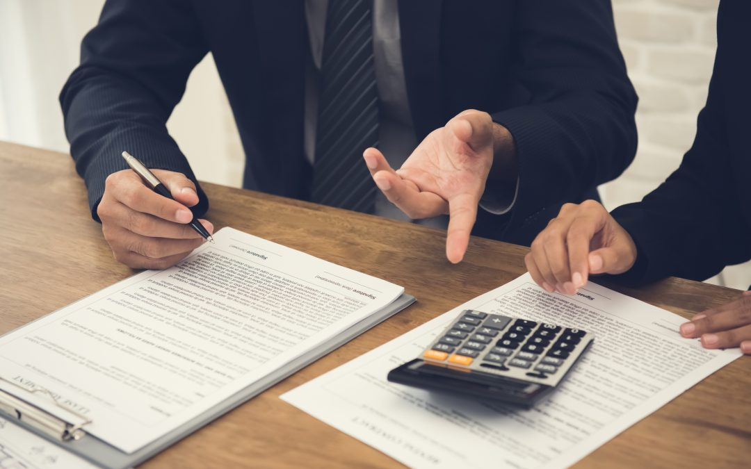¿Quieres elaborar o revisar un contrato?
